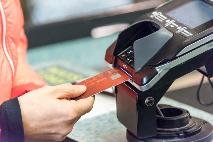 Differences Between A POS Terminal and A Credit Card Machine