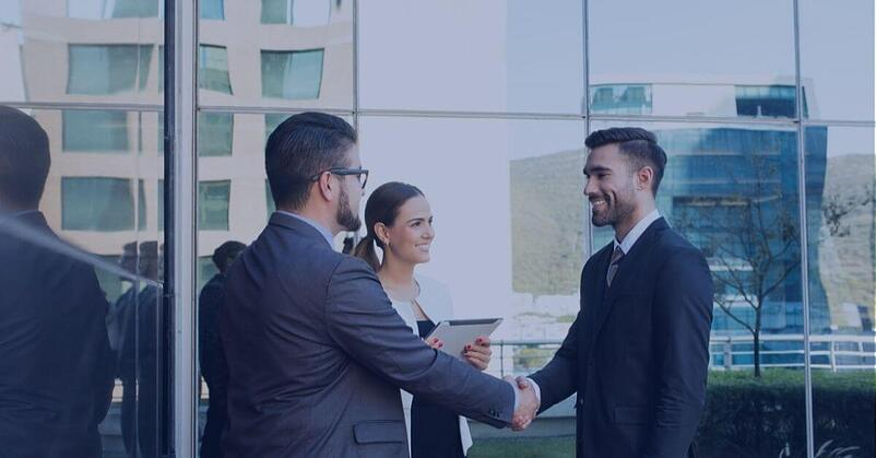 merchant-services-sales-agent-closing-a-deal-in-melbourne