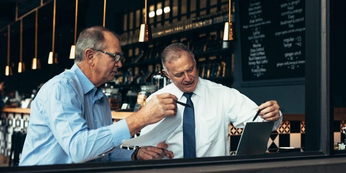nederland-cash-regsiter-dealer-closing-a-deal
