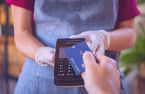 waitress utilizing pos total touch software