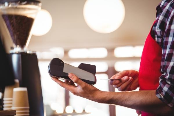 How to Accept Credit Card Payments on your Phone